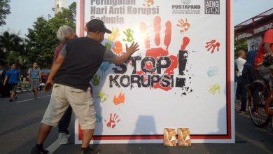 Photo of Aksi Cap Tangan Anti Korupsi di Solo
