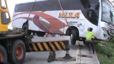 "Photo of "" Raja Jalanan "" Bus Mira Trayek Jateng- Jatim -DIY Terjungkal di Ring Road Sragen"