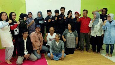 Photo of Dukungan Kelompok Islam Terus Mengalir, Yenny Depok Silaturahmi dengan Haji Adi