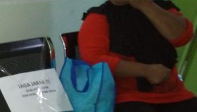 Photo of Warga Keluhkan Bantuan RTHL dari Pemkot Depok