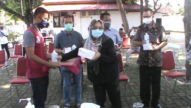 Photo of Keluarga Untung Wiyono Salurkan Bantuan Masker Medis ke Seluruh Rumah Sakit di Sragen